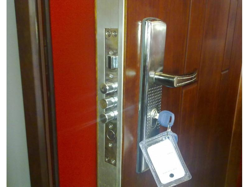 Входна подсилена врата модел HSW-20