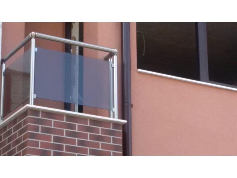 Стъклен, закалено стъкло, с подов профил и само с колонки