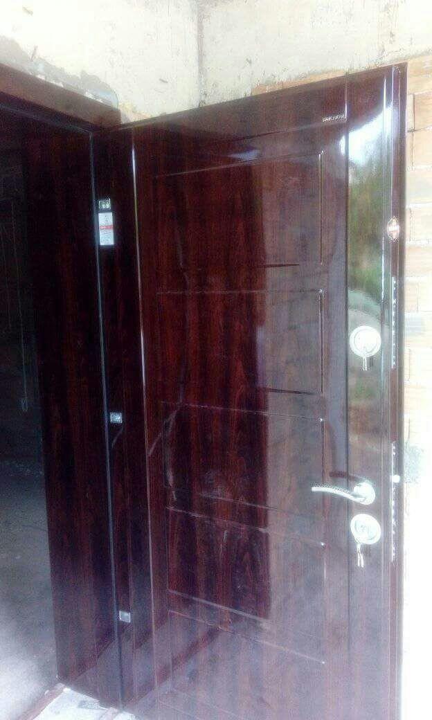 Метална врата М-02 ламбри външна врата