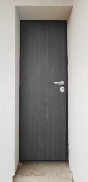 Входна врата за къща с HPL подходяща за външни условия (италианска врата-економи)