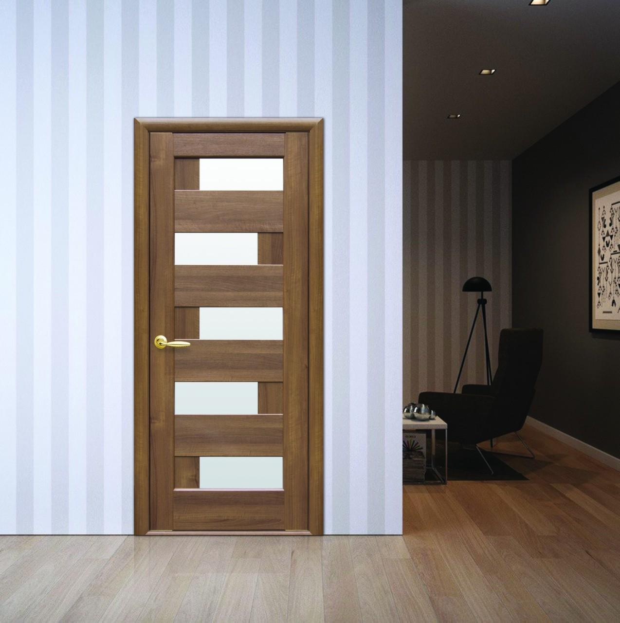 Интериорна врата Пиана със стъкло