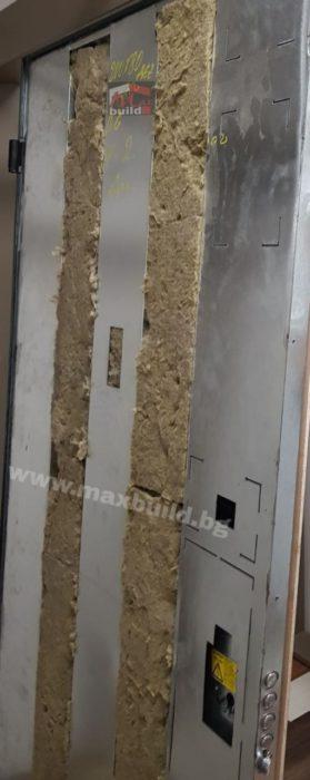 Входна Блиндирана врата Италианска с фрезовка (Пълна версия)